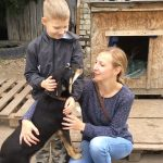 9-year-old-Russian-boy-trades-his-art-for-abandoned-dog-food-and-medicine-5da96ba1a749f__700